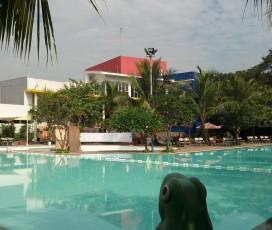Kolam Renang Telaga Bestari Tangerang