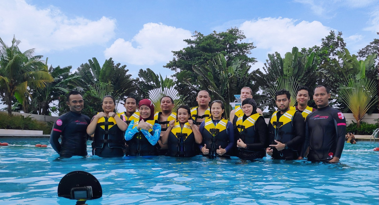 Swim and Survival Class For Company